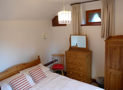 Oakgrove Holiday Cottage bedroom